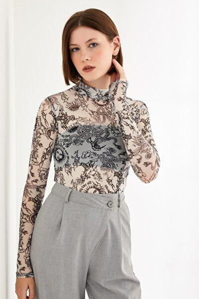 Kadın Beyaz Yılan Desenli Uzun Kol Tül Bluz