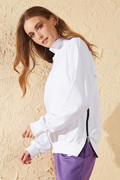 Kadın Beyaz Yan Fermuar Detaylı Sweatshirt