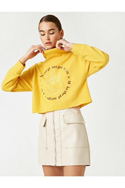 Kadın Sarı Sal Yaka Yazılı Baskılı Crop Sweatshirt