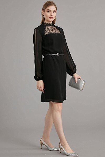 Kadın Siyah Dantel Şerit Kombinli Dik Yaka, Ön Roba Dantel Ve Bel Üstü Deri Kemer Detaylı Elbise