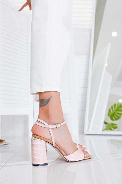 Paige Pudra Kroko Bant Detaylı Kemerli Kalın Topuklu Sandalet (Mantar Tabanlı)