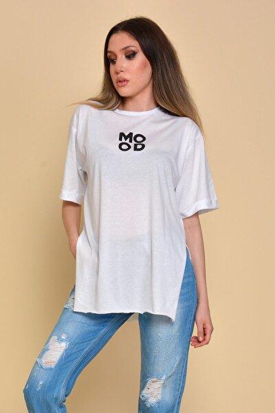 Kadın Beyaz Yırtmaçlı Mood Baskılı T-shirt