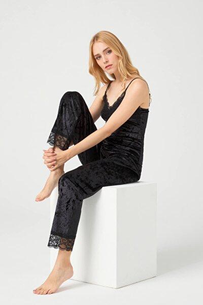Kadın Siyah Dantel Detaylı Kadife Pijama Takımı