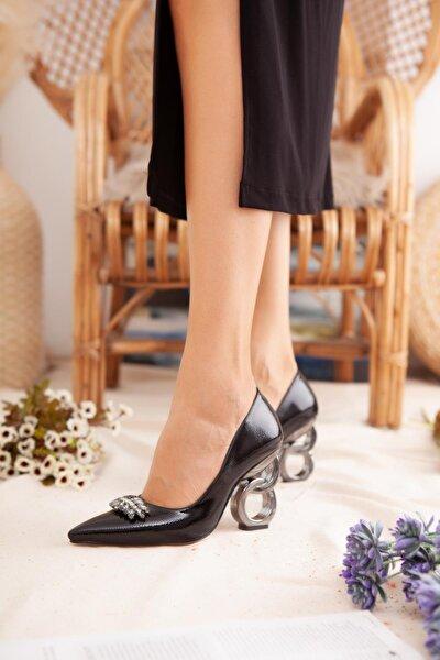 Kadın Siyah Kırışık Rugan Taşlı Halka Topuklu Stiletto