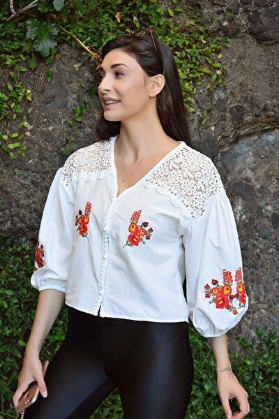 Kadın Ekru Güpürlü Nakışlı Gömlek