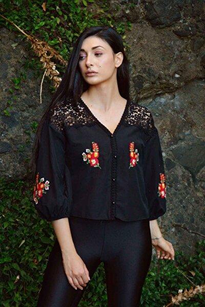 Kadın Siyah Güpürlü Nakışlı Gömlek