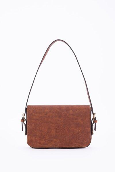 Kadın Taba Kapaklı Baget Çanta