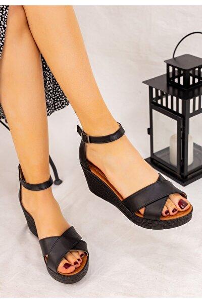 Kadın Siyah Cilt Siyah Dolgu Topuklu Sandalet