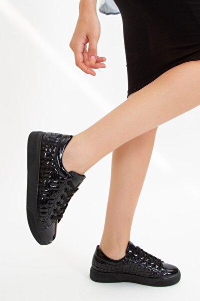 Kadın Siyah Bağcıklı Spor Günlük Ayakkabı Sneaker