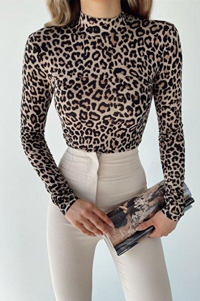 Kadın Bej Leopar Desen Dik Yaka Uzun Kollu Bluz