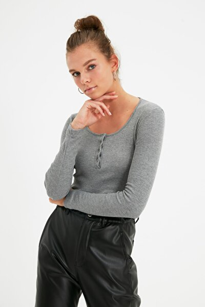 Gri Çıtçıtlı Fitilli Örme Bluz TWOSS20BZ0683