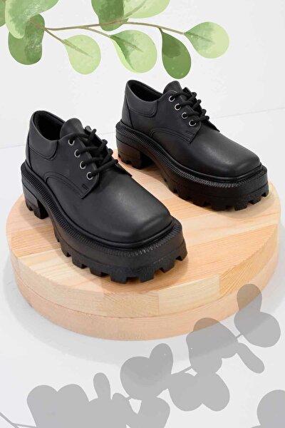 Siyah Kadın Oxford Ayakkabı K01975000109