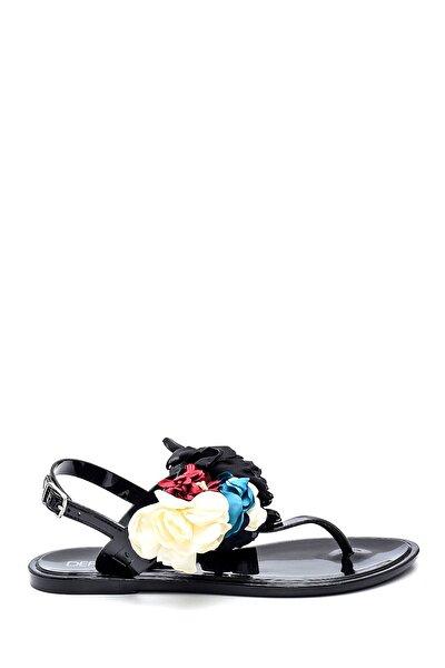 Kadın Çiçek Aksesuarlı Casual Parmakarası Sandalet