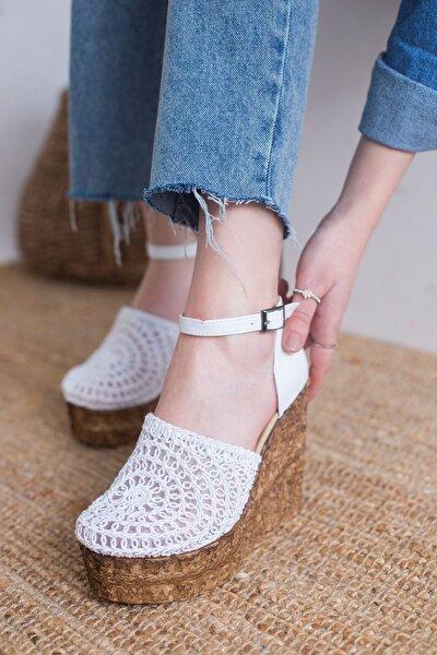 Relva Örgü Detaylı Dolgu Topuklu Sandalet Beyaz