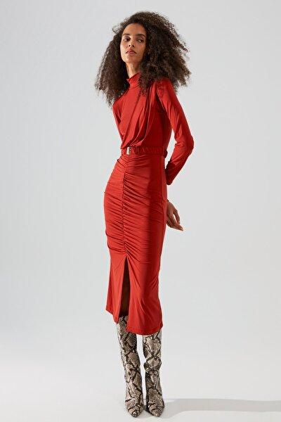 Kiremit Dik Yaka Kemerli Örme Elbise TWOAW22EL0434