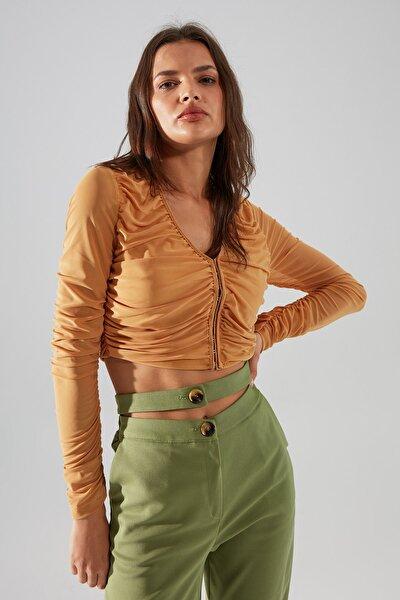 Camel Agraf Detaylı Fitted Tül Örme Bluz TWOAW22BZ0401