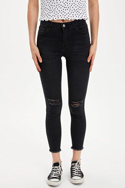 Super Skinny Fit Yırtık Detaylı Jean Pantolon