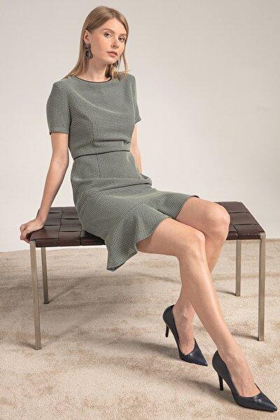 Elbise-o Yaka Kısa Kol, Eteği Volan Detaylı