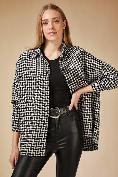 Kadın Beyaz Siyah Kazayağı Desen Oversize Yünlü Kaşe Gömlek Ceket BH00300