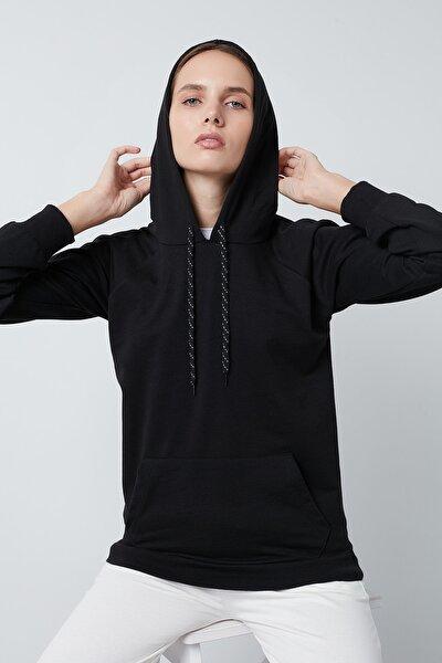 Kadın Siyah Cep Detaylı Kapüşonlu Sweatshirt 5413020