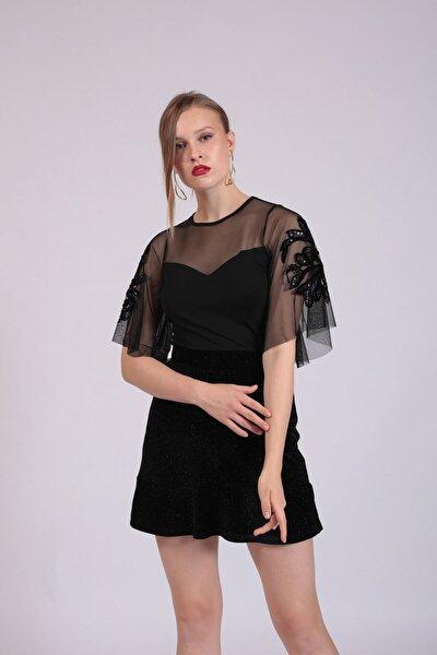 Kadın Siyah Tül Garnili Kolları İşlemeli Bluz  HN2744