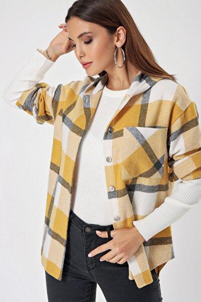 Kadın Hardal Kapüşonlu Metal Düğmeli Kareli Kaşe Gömlek S-21K2060012