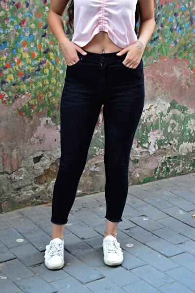 Kadın Siyah Tırnak Izli Paçası Kesik Jean