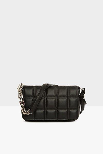 Kadın Siyah Nakışlı Kapaklı Mini Çanta