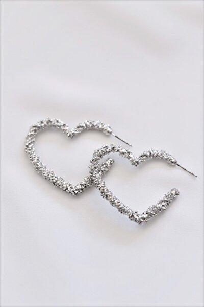 Kadın Gri Boşluklu Kalp Gümüş Renkli Küpe