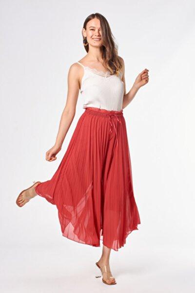 Piliseli Kırmızı Etek Pantolon