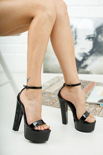 Siyah Rugan Bilekten Baretli Kadın Yüksek Topuklu Ayakkabı