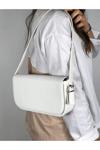 Kadın Beyaz Kapaklı Baget Çanta