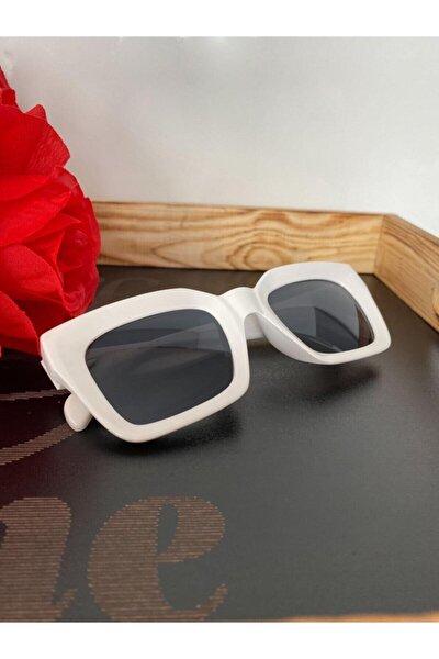 Mia Kalın Çerçeveli Tasarım Gözlük Beyaz Çerçeve Siyah Cam
