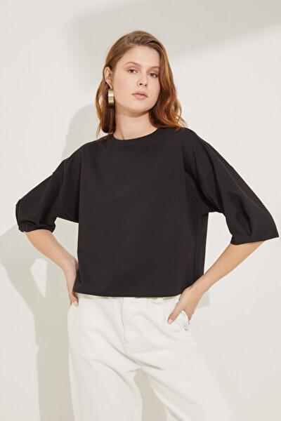Kadın Siyah Kolları Pileli Crop Bluz