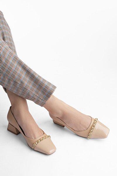 Kadın Zincirli Küt Burun Günlük Klasik Topuklu Ayakkabı RadizBej Rugan