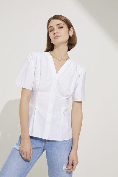 Kadın Beyaz V Yaka Kısa Kol Bluz