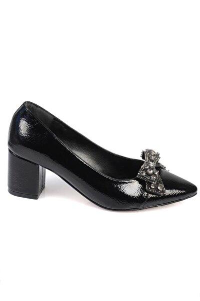Kadın Siyah Topuklu Taşlı Fiyonklu Ayakkabı