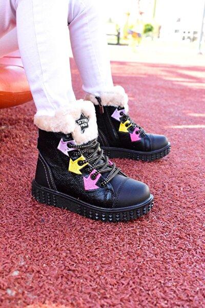 Siyah Kürklü Çocuk Bot