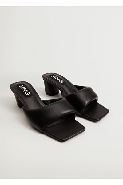 Kadın Siyah Topuklu Kapitone Sandalet