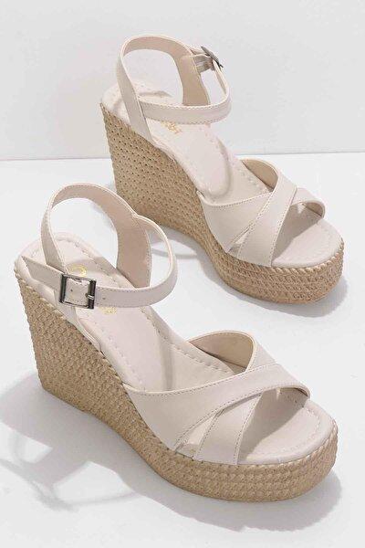 Bej Kadın Sandalet K05671304009