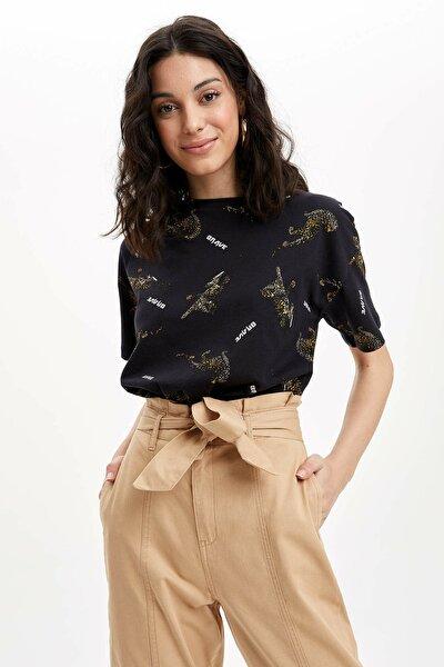 Kadın Siyah Regular Fit Kısa Kollu T-Shirt R3690AZ.20SP.BK27