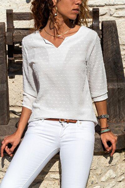 Kadın Beyaz Yakası Yırtmaçlı Özel Dokulu Bluz GK-BST2841