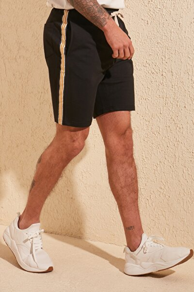 Siyah Erkek Regular Fit Şeritli Şort & Bermuda TMNSS20SR0078