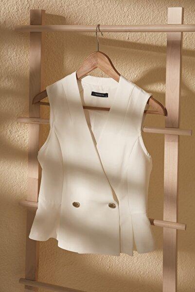 Beyaz Kruvaze Kolsuz Bluz TWOSS20BZ1449