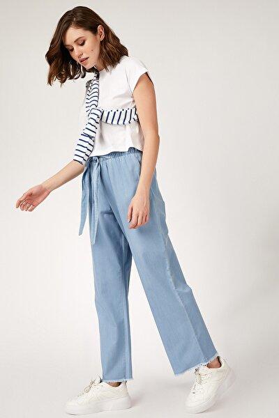 Kadın Açık Mavi Basic Jean Pantolon DD00590