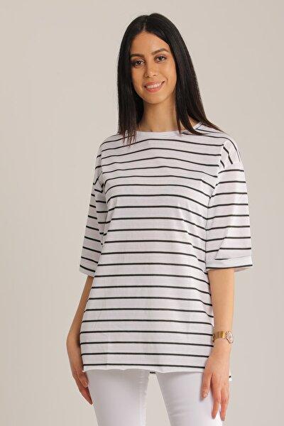 Kadın Siyah & Beyaz Çizgili Kol Katlı T-Shirt Mdt4890