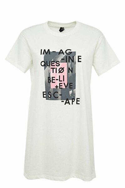 Modest Oversizefit Sloganbaskılı Kısa Kollu Tişört
