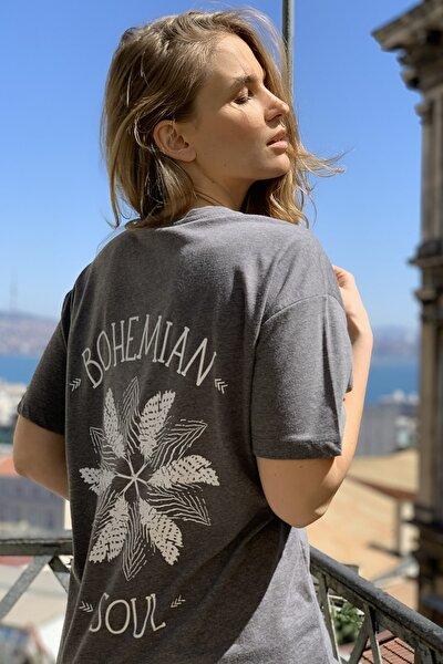 Antrasit Sırt Baskılı Boyfriend Örme T-Shirt TWOSS20TS1444