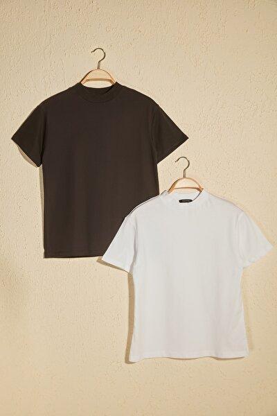 Beyaz ve Siyah Dik Yaka 2'li Paket Basic Örme Tshirt T-Shirt TWOSS20TS1500
