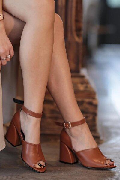 Daisy Kahve Topuklu Ayakkabı